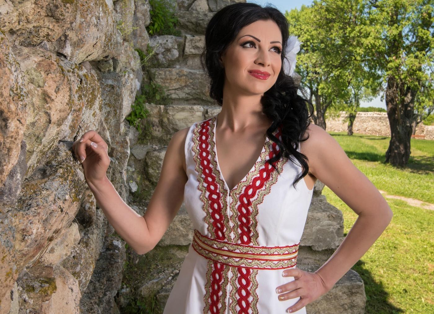 Вълнуващо лято очаква Ангелина Милева