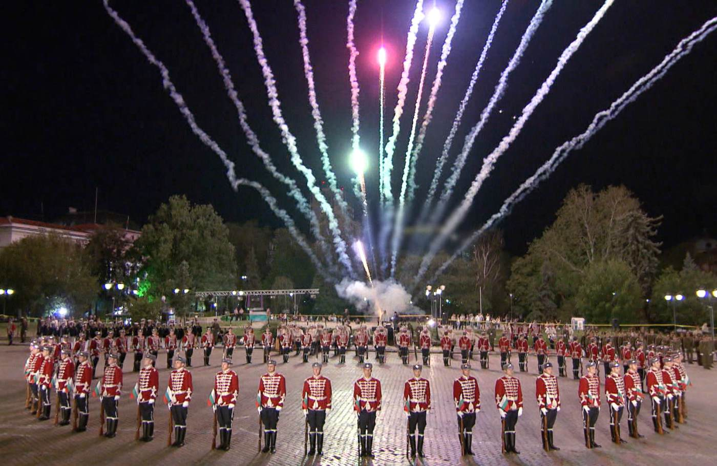 "Денят на независимостта през погледа на ""Бащино огнище"""
