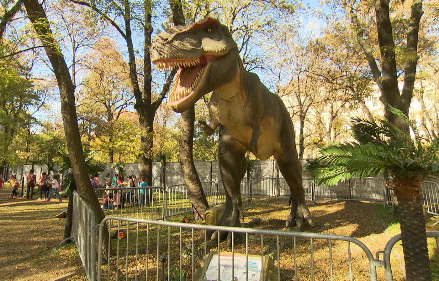 """Изложбата """"Живите динозаври"""" гостува на """"Бащино огнище"""""""