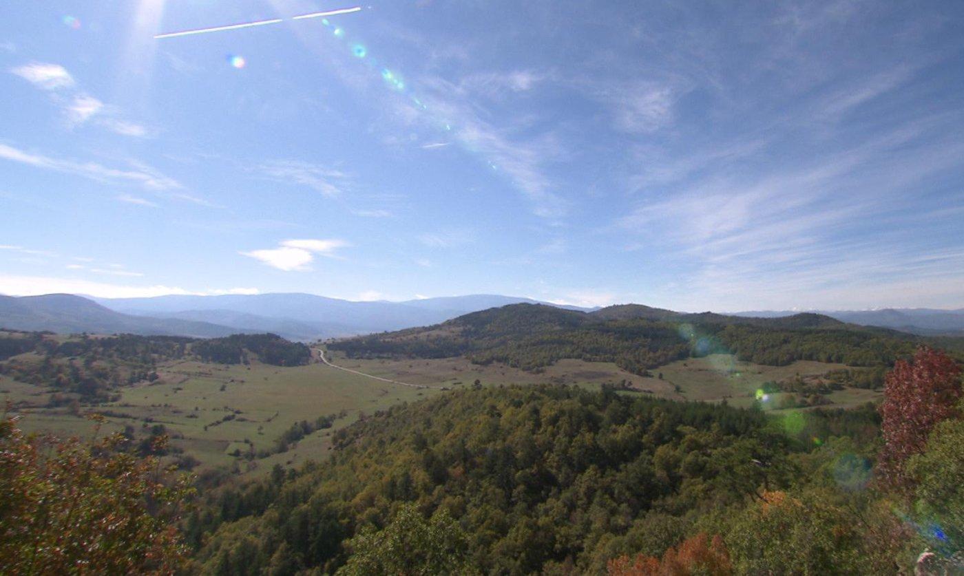 """Златна есен в планината на Орфей в """"Бащино огнище"""""""