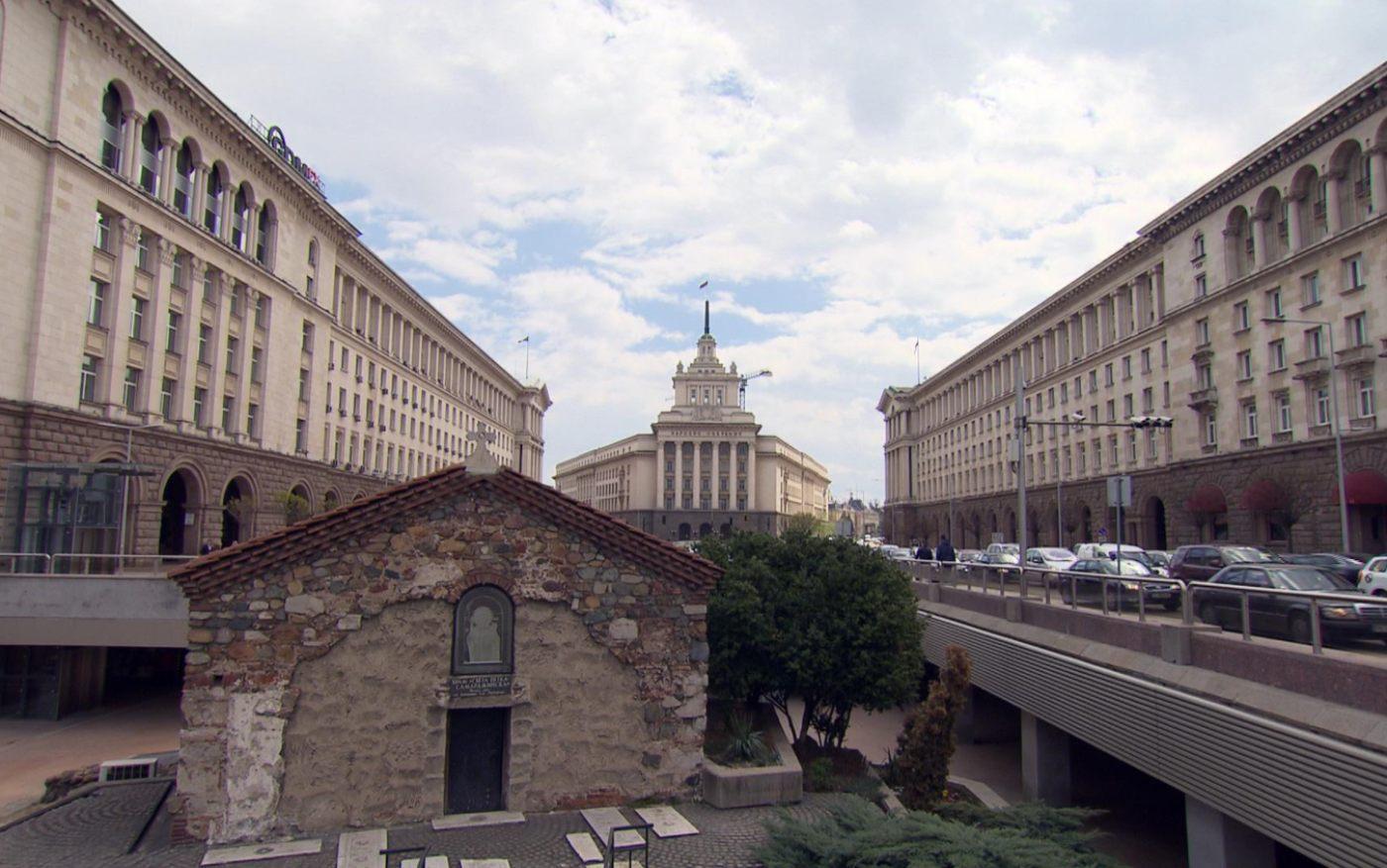 Царският дворец - един от красивите символи на София