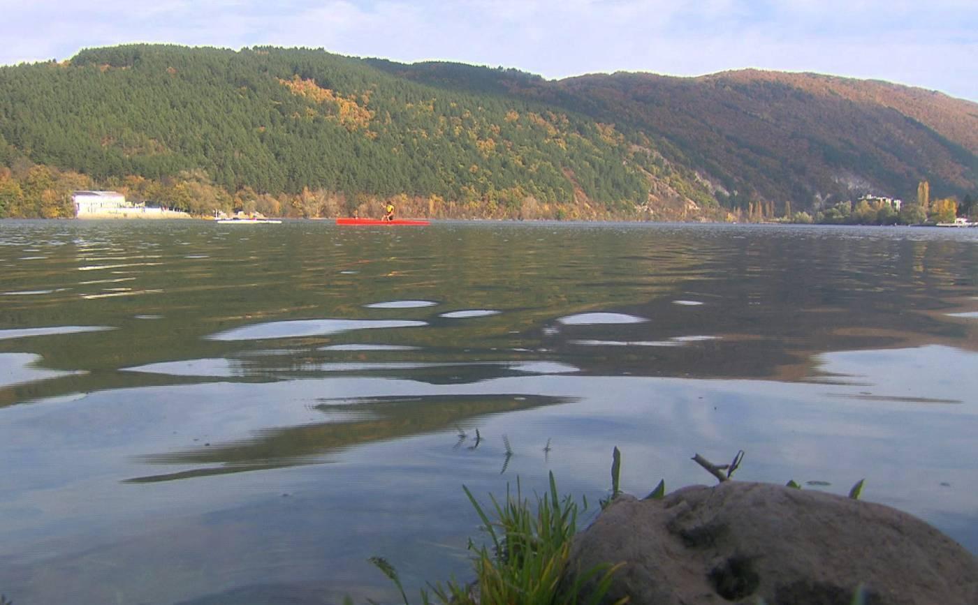 """На Панчаревското езеро през лятото в """"Бащино огнище"""""""