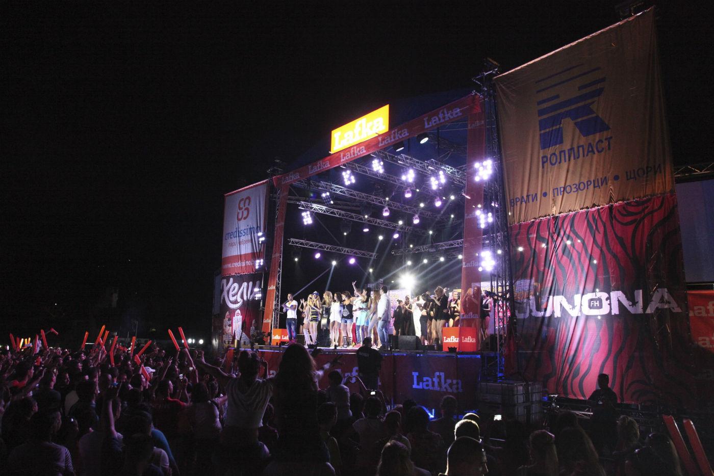 """Звездите на """"Планета Лято 2014"""" завладяха Бургас"""