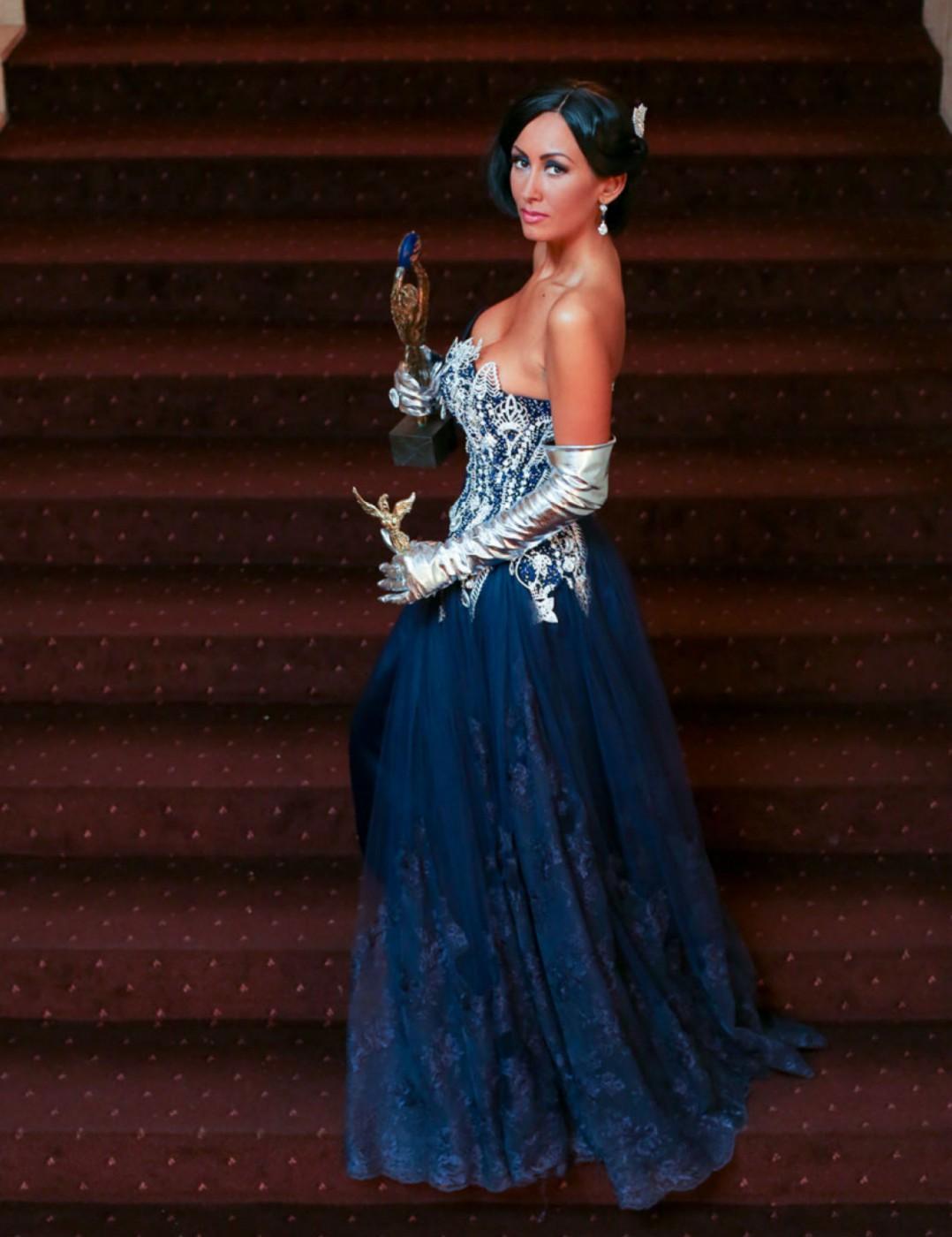 """Джена с три статуетки от Годишните награди на телевизия """"Планета"""""""