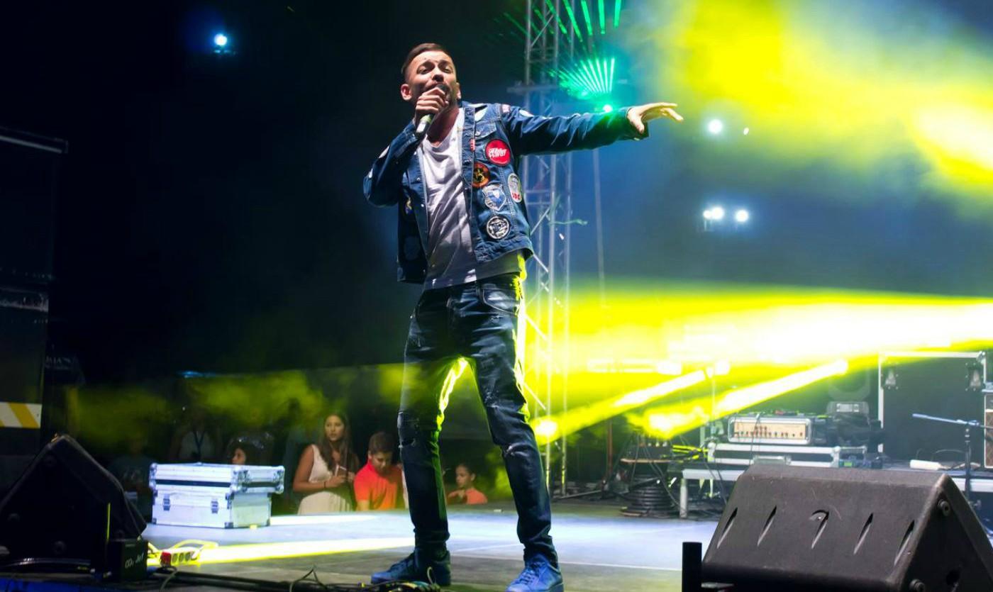 Дамян Попов пее за Варна