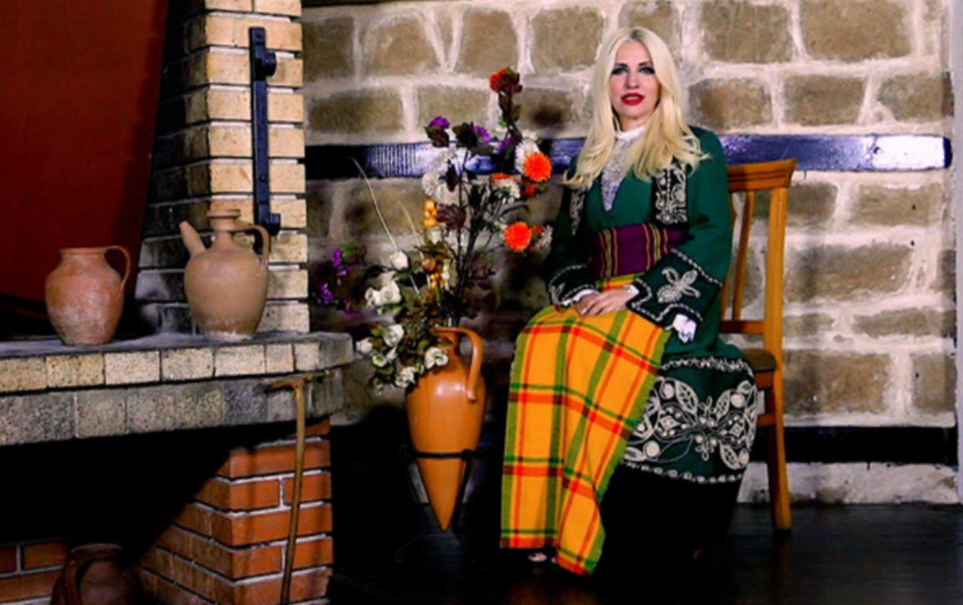 """Екстра Нина с нов видеоклип в ефира на """"Планета Фолк"""""""