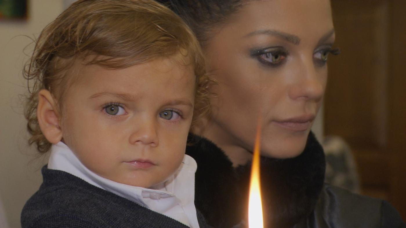 """Емануела допусна единствено """"Планета"""" на кръщенето на сина си"""