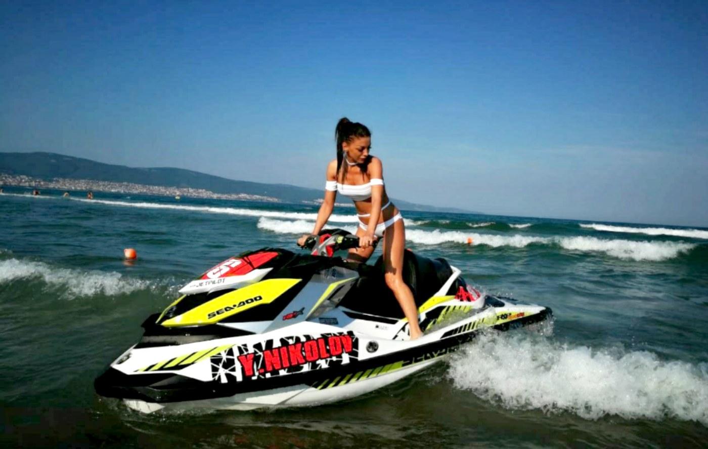 Морски приключения за Емануела