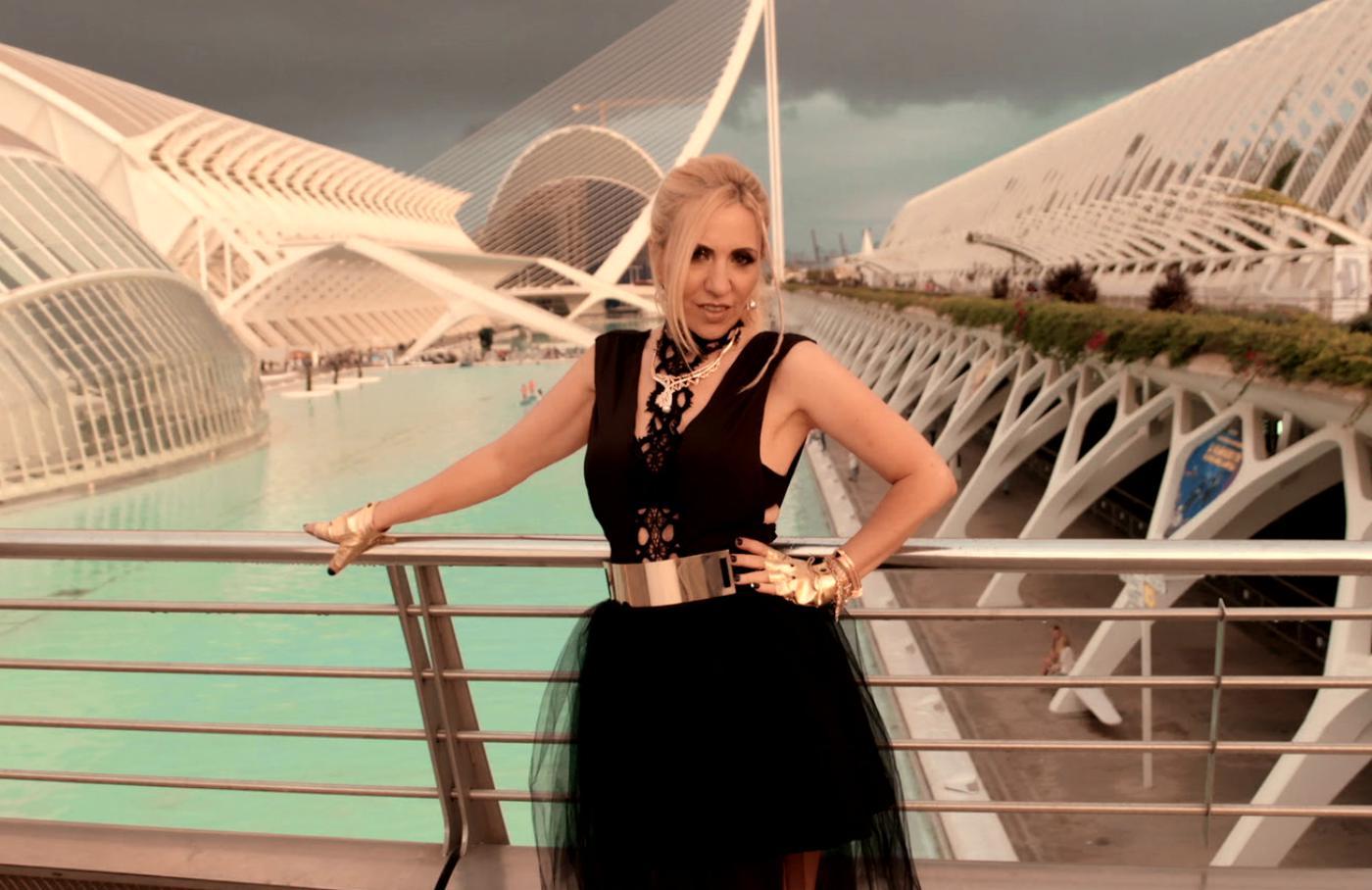 Екстра Нина с два концерта в Гърция този уикенд