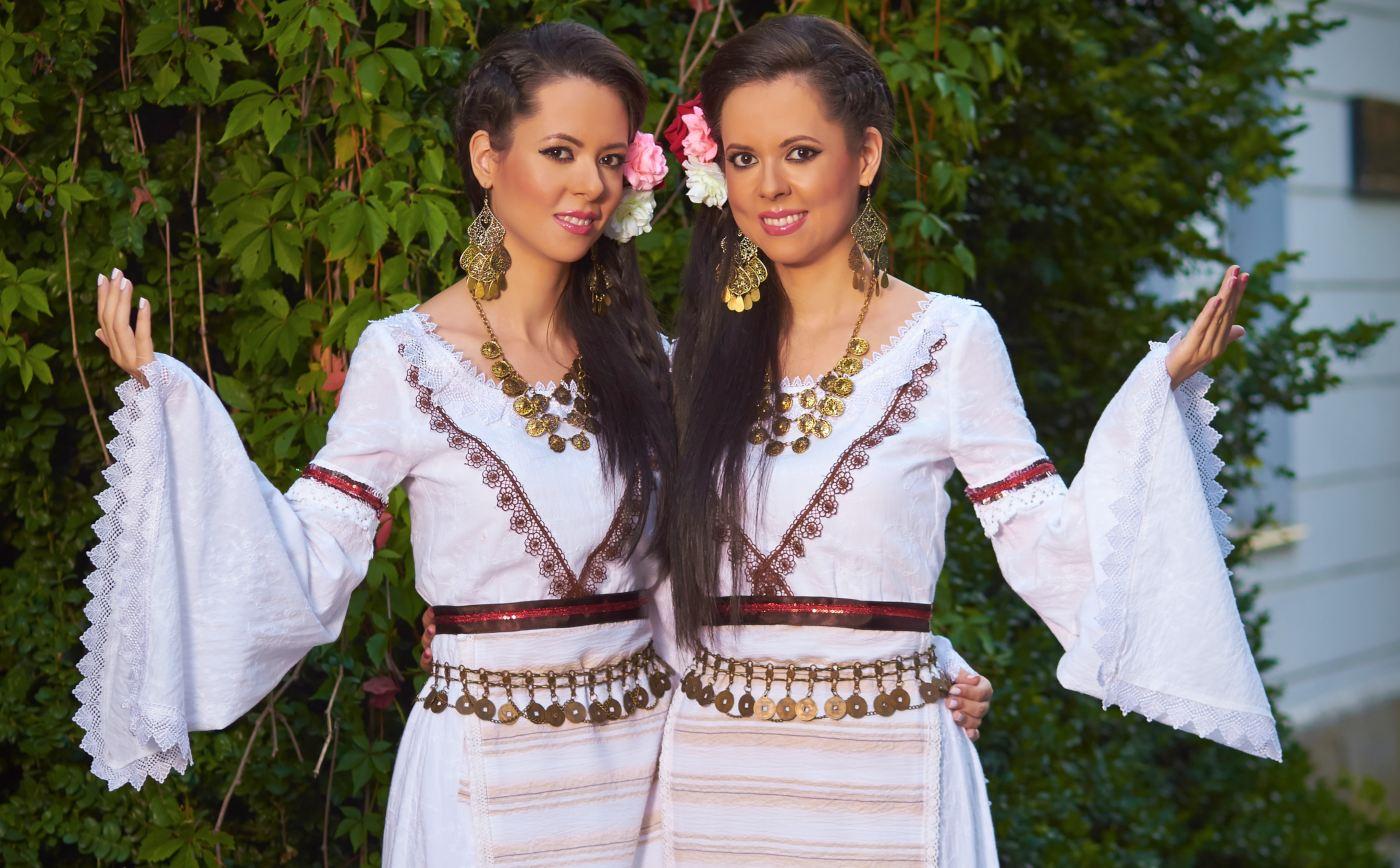 Мария и Магдалена Филатови: Българската носия е ценно наследство, което заслужава да се запази