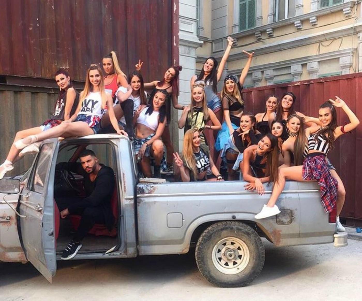Фики събра танцьори от цяла България в новия си клип