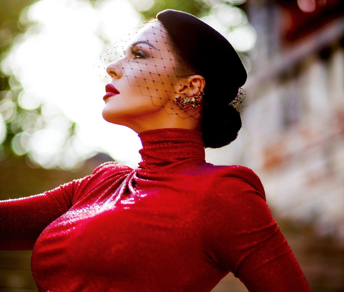 Галена отбелязва 15 години на сцена с нов видеоклип