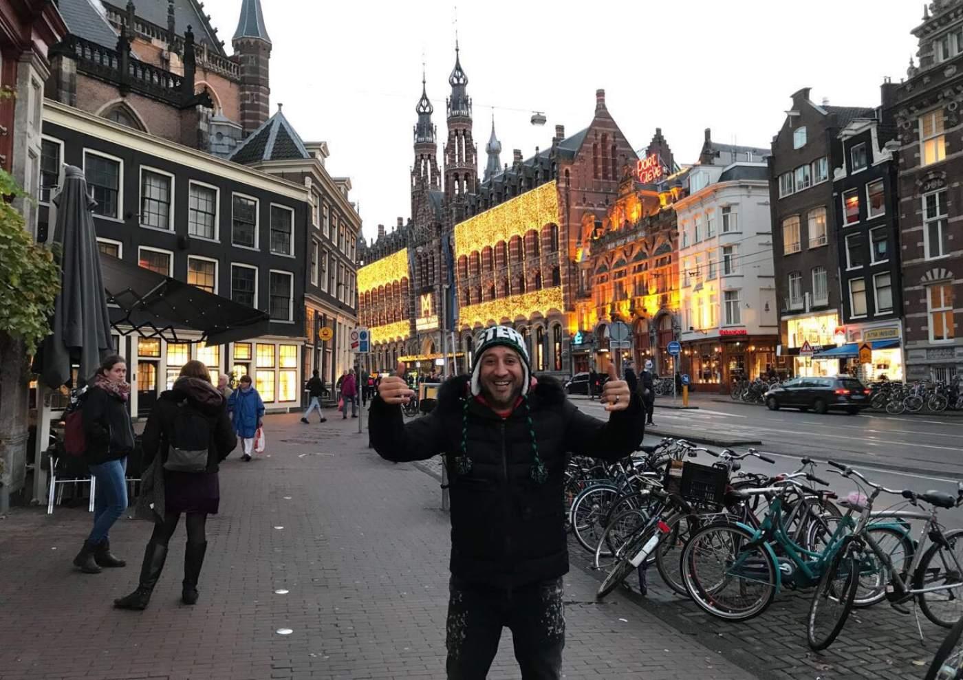 Вълнуващо приключение в Амстердам за Илиян