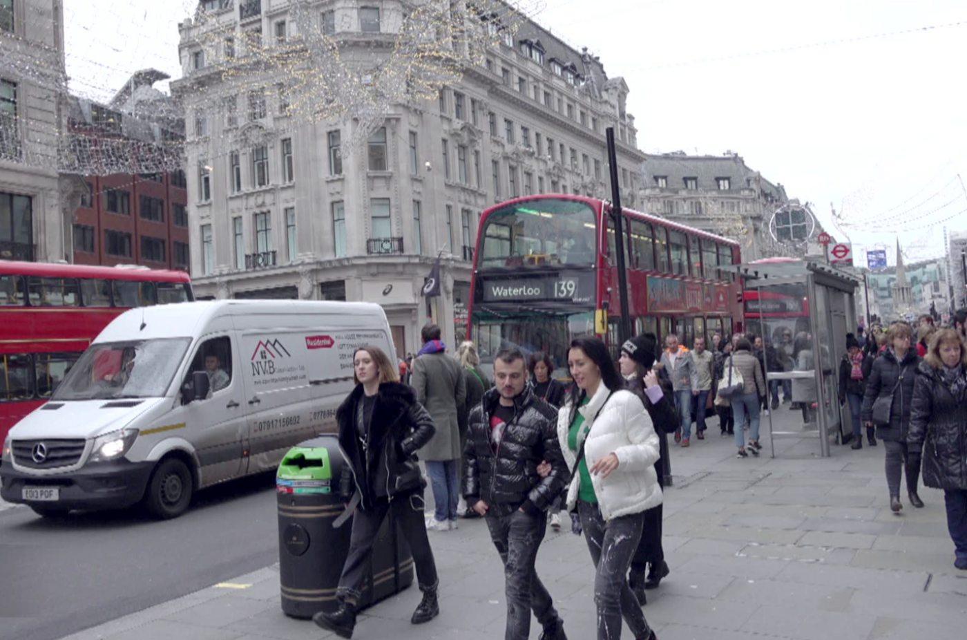 """Коледно настроение от Лондон със звездите на """"Планета"""""""