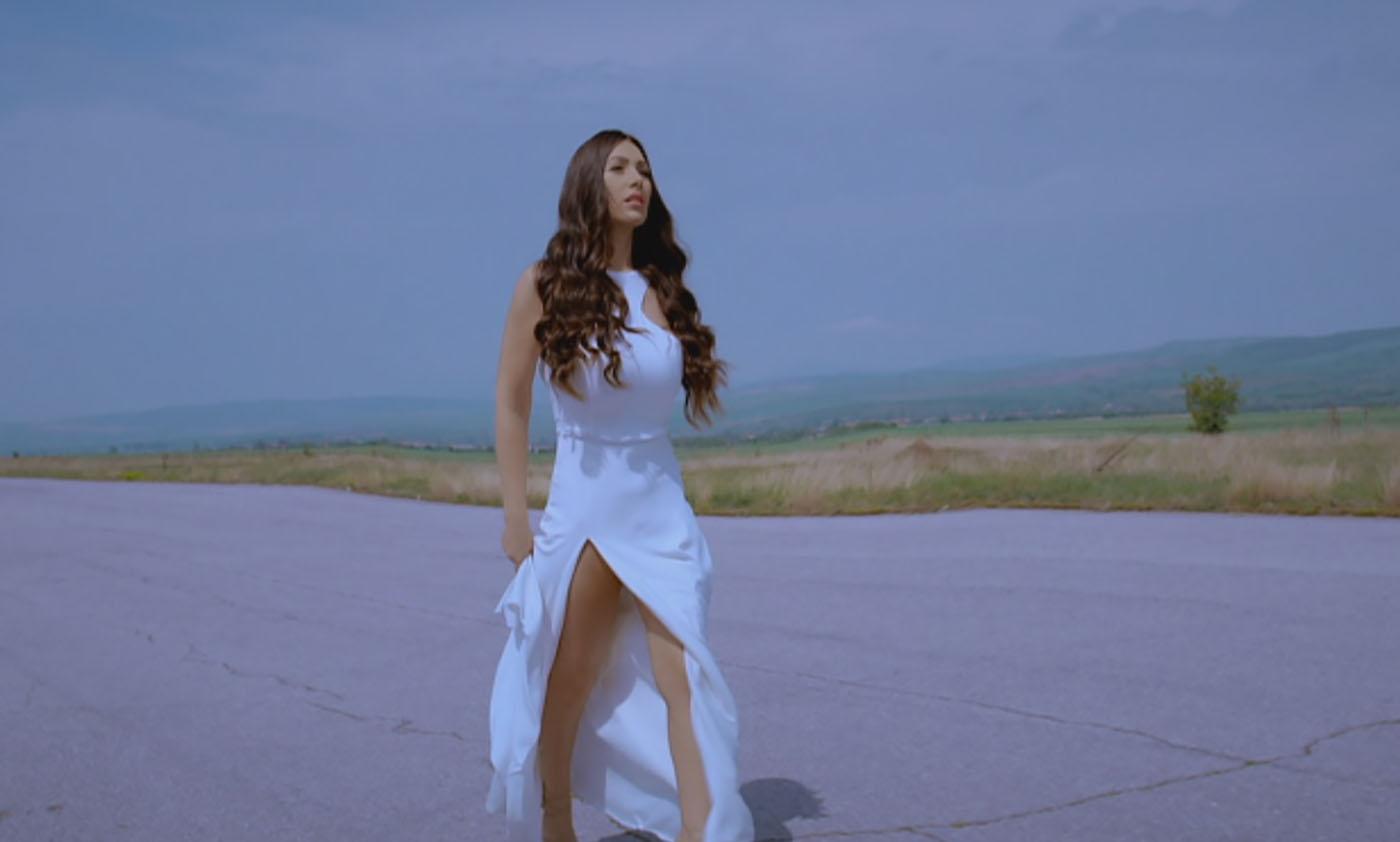 """Мария Петрова с премиера на """"Изигра ме"""""""