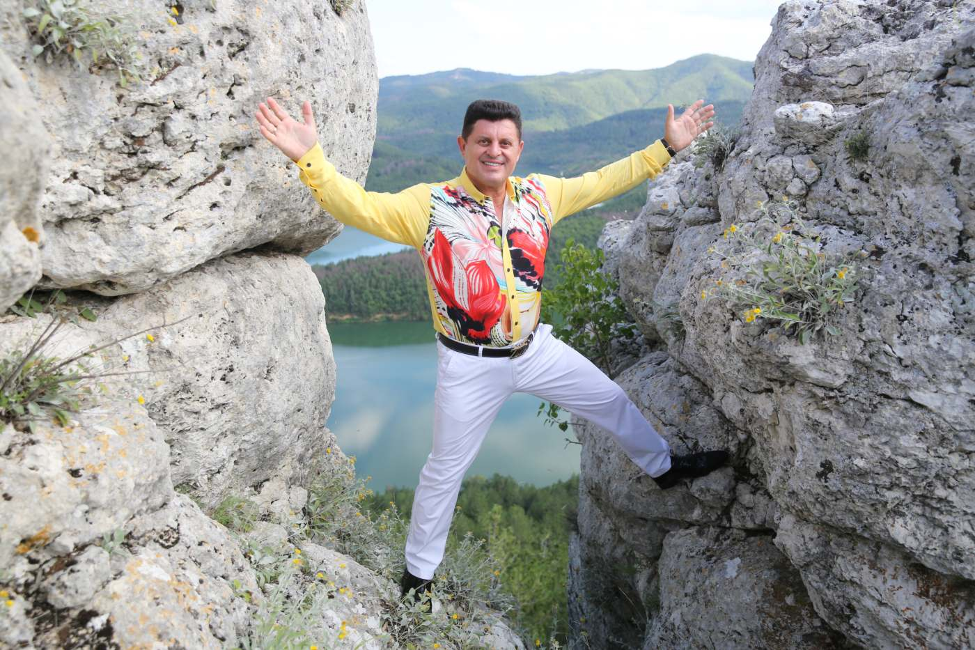Николай Славеев със специално послание за 8 март
