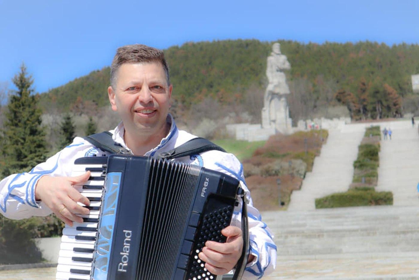 Пламен Димитров посреща рожден ден с нови песни
