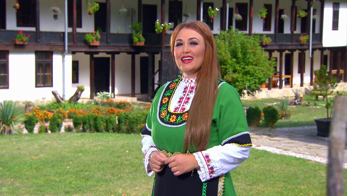 Пепи Христозова представя новия си албум през 2017 година