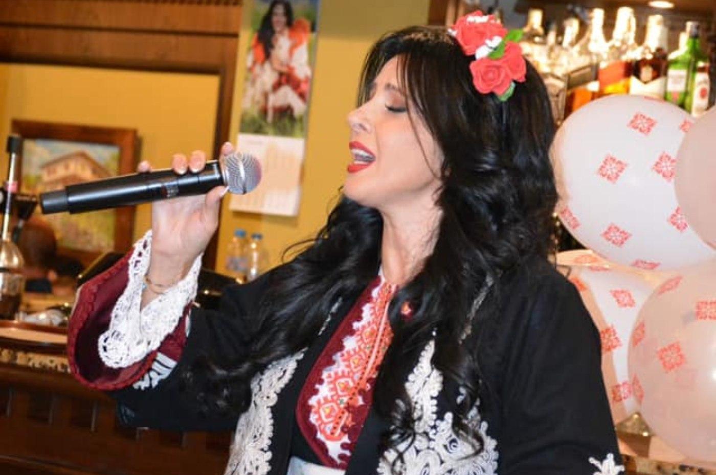 Със стилно парти Росица Пейчева отбеляза 30 години на музикалната сцена