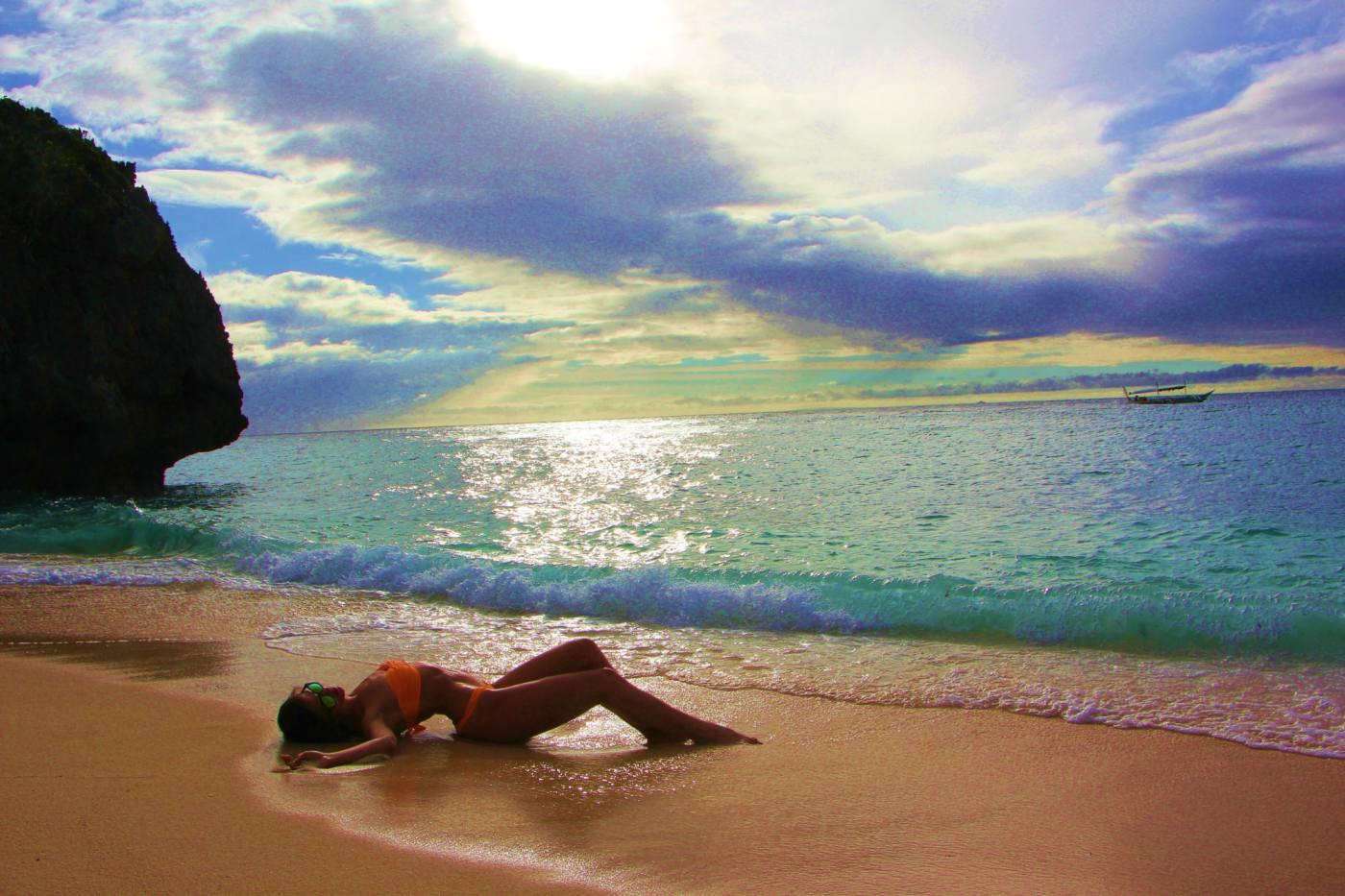 """""""Тук и сега"""" на Райна с версия от Филипините"""