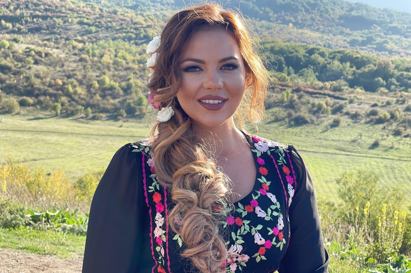 Светла Дукатева представя любима песен от Родопите