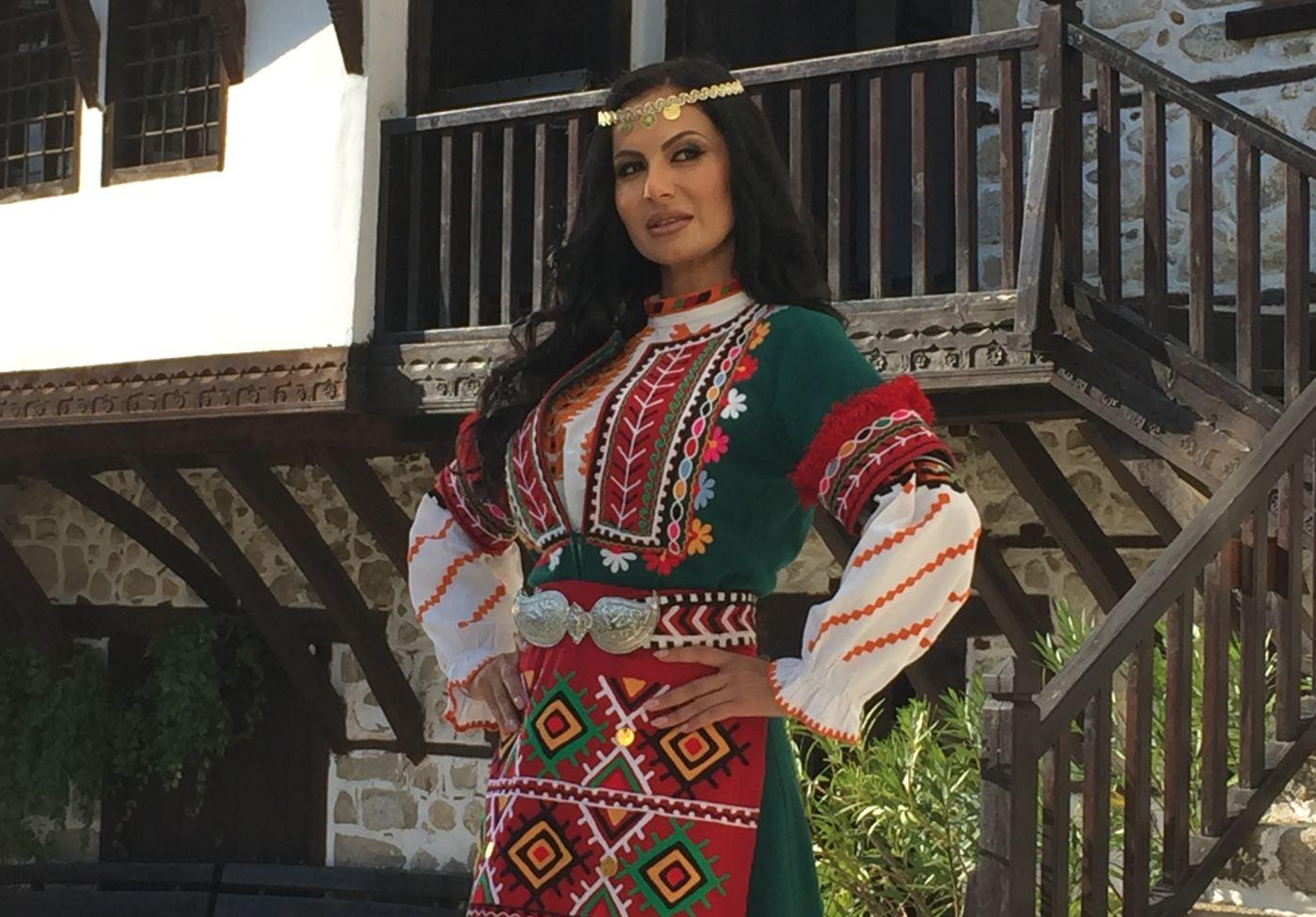 Татяна: Винаги се чувствам горда, когато изпълнявам български фолклор