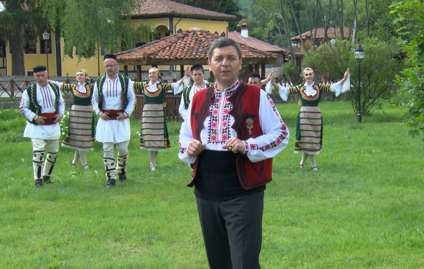 """""""Живея, за да пея"""" – този уикенд от Васил Вълканов"""