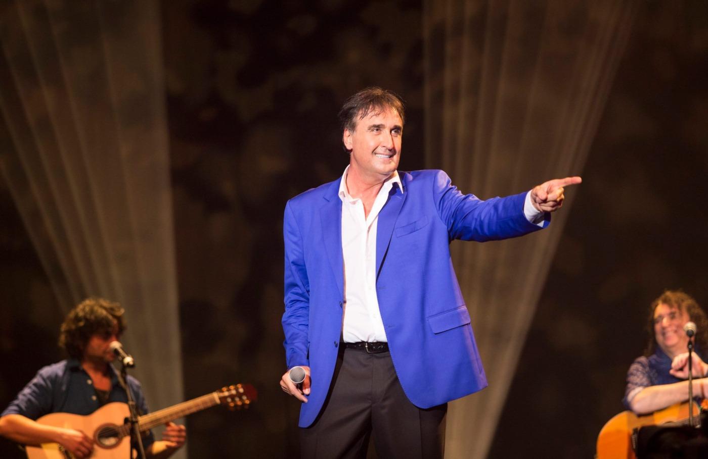 Веселин Маринов с Коледен концерт на 3 декември