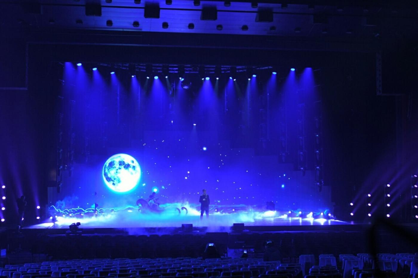 Веселин Маринов: Коледните ми концерти са най-хубавото нещо, което правя в творчеството си