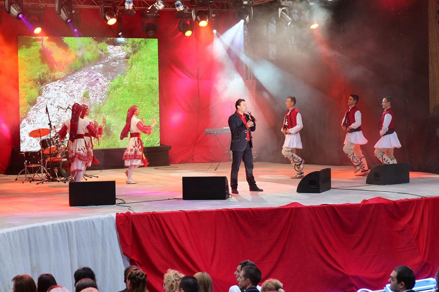 Янко Неделчев: Неописуема радост е да пееш пред 35 000 човека