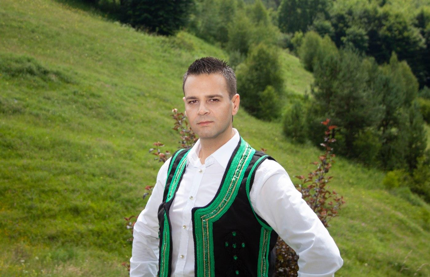 """""""Гано, бела Гано"""" - музикален поздрав от Здравко Мандаджиев"""