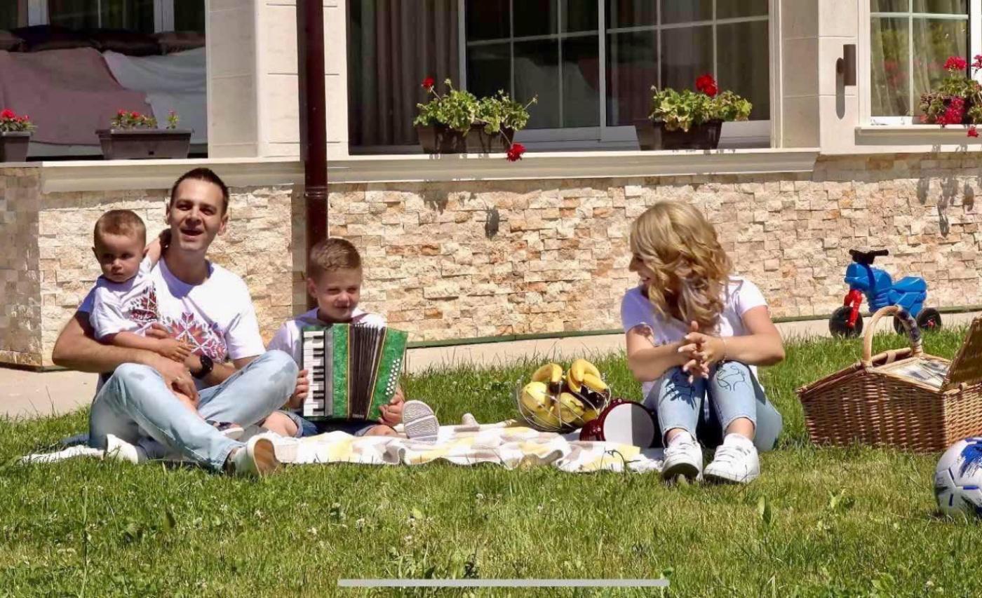 Здравко Мандаджиев с нов клип за рождения си ден