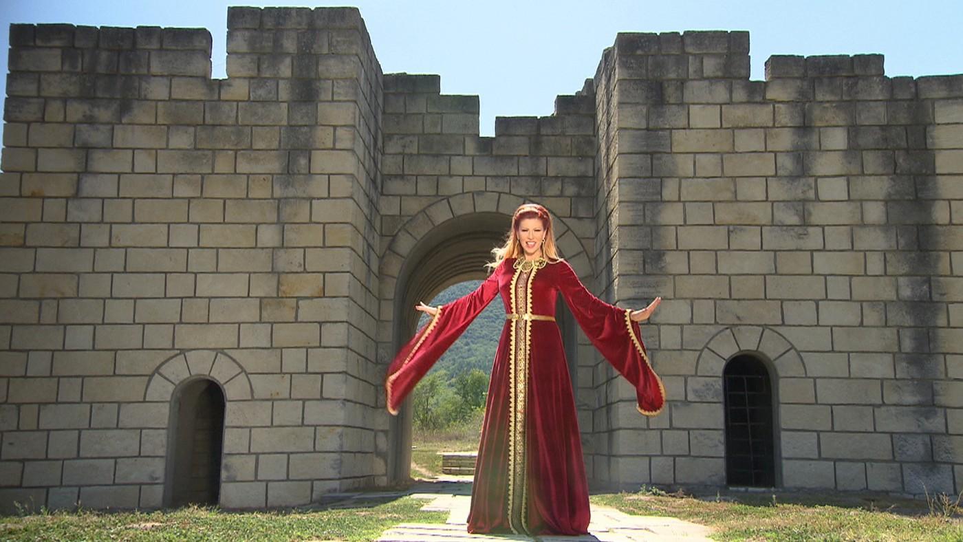 """Нелина подарява """"Българийо, ти майко свята"""" за 22 септември"""